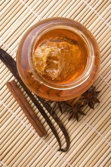 Free Fresh Honey With Honeycomb And Spices Stock Photography - 3715272