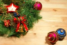 Free Xmas Wreath With A Candle And Balls Royalty Free Stock Photos - 3720888