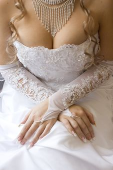 Free Bride S Decollete Royalty Free Stock Photography - 3723377