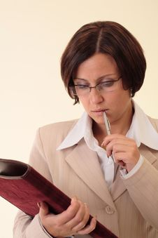 Free White Businesswoman With Notepad Stock Image - 3724141
