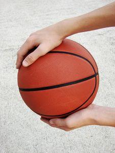 Free Man Holding Basketball Stock Photography - 3725392