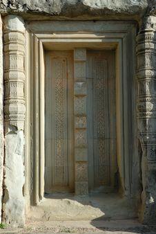 Free Stone Door In Angkor, Cambodia Royalty Free Stock Photos - 3735508
