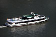 Free River Cruise Ship Royalty Free Stock Photography - 3741477