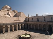 Free Courtyard At Arequipa, Peru Royalty Free Stock Photography - 3745157