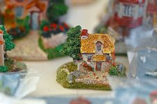 Free Handicrafts-small House Royalty Free Stock Image - 3746196