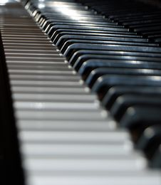 Free Piano Keys Royalty Free Stock Photos - 3747148