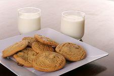 Free Cookies & Milk Royalty Free Stock Photos - 3750048