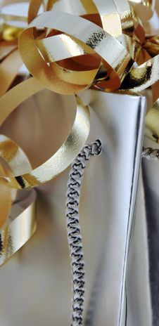 Free Gift Bag With Gold Ribbons Royalty Free Stock Photos - 3751788