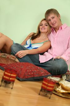 Free Couple Sit On Pillow Stock Photos - 3760003