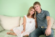 Free Young Couple On Sofa Royalty Free Stock Images - 3760199
