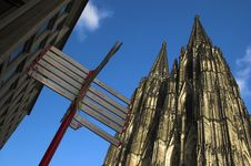 Free Cathedral In Cologne Royalty Free Stock Images - 3762119