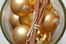 Free Gold Christmas Ornaments Royalty Free Stock Photos - 3762128