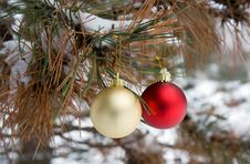Free Red And Gold Christmas Ornaments (horizontal) Stock Image - 3766091
