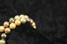 Free Pearls On Black Velvet Royalty Free Stock Photography - 3770357