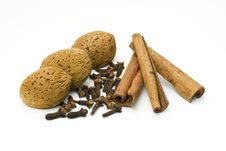 Almonds, Cloves And Cinnamon Royalty Free Stock Image