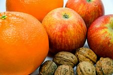 Free Apples, Walnuts And Oranges Royalty Free Stock Photography - 3773517
