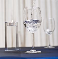 Free Filling Glass With Water Stock Images - 3773574