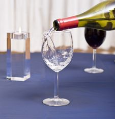 Free Filling Glass With Water Royalty Free Stock Photography - 3773577