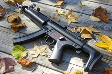 Free Artitistic Sub Machine Gun Stock Image - 3781451