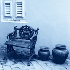 Free Bench & Ceramics Royalty Free Stock Photo - 3783765
