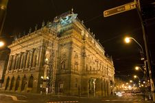 Free Night Nation Theatre Prague Royalty Free Stock Photography - 3785017