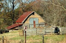 Free Rustic Barn Shed Royalty Free Stock Photography - 3788587