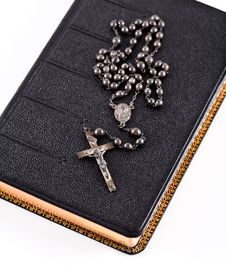 Free The Bible And Rosary. Royalty Free Stock Photos - 3788598