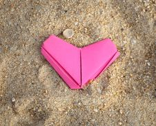 Free Paper Pink Heart Royalty Free Stock Photo - 37869245