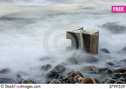 Free The Cold Sea Royalty Free Stock Images - 3799559
