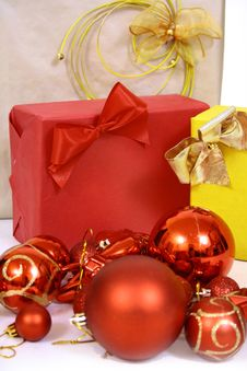 Free Christmas Balls Royalty Free Stock Photography - 3792647