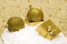 Free Golden Christmas Balls Stock Photos - 3797933