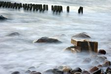 Free The Cold Sea Royalty Free Stock Photography - 3799577