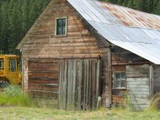 Free Old Barn And New Tractor Stock Photography - 389422