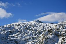 Free Mountain Peak Royalty Free Stock Photography - 389967