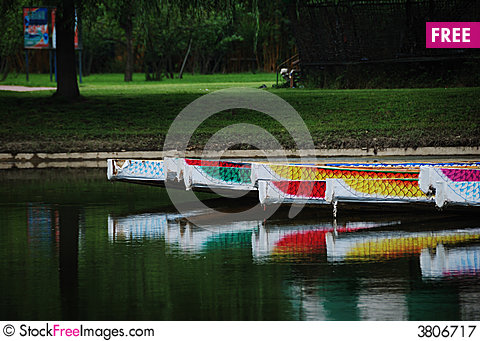 Free Dragon Boat Royalty Free Stock Photography - 3806717