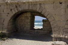 Free View Of Beach Through Hole In Roman Aqueduct Royalty Free Stock Photos - 3806998