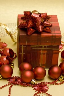 Free Beautiful Red Christmas Balls Royalty Free Stock Images - 3808819