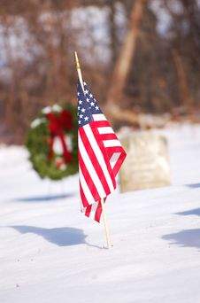 Free Grave With USA Flag Royalty Free Stock Image - 3808936