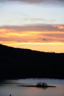 Free Fiery Island Sunset Royalty Free Stock Photos - 3809338