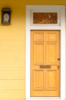 Free Yellow Door With White Frame Royalty Free Stock Images - 3814339
