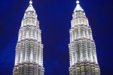 Free KLCC In The Night Royalty Free Stock Images - 3815189