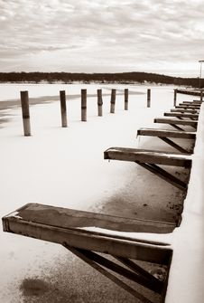 Free Dock In A Frozen Winter Royalty Free Stock Photography - 3818437