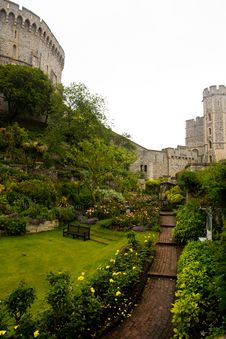 Free Windsor Castle Near London Royalty Free Stock Photos - 38105488