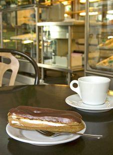 Chocolate Eclair Royalty Free Stock Image