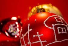 Free Red Ball With White Ornament Royalty Free Stock Photography - 3830737