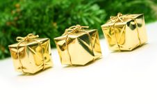 Free Golden Christmas Gift Boxes Royalty Free Stock Images - 3833459