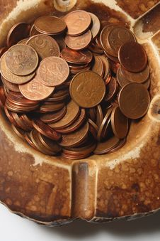 Free Coins In Ashtray Stock Photo - 3839180