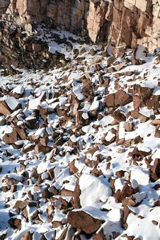 Free Stones Covered Snow Royalty Free Stock Image - 3839526