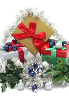 Free Christmas Gift Boxes With Christmas Ornaments Stock Images - 3840904