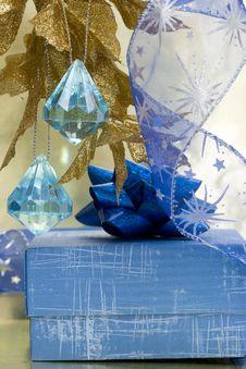Free Blue Gift Box Stock Image - 3845381